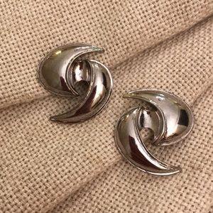Vintage Abstract Swirl Earrings Silvertone